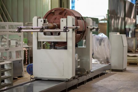 Балансировочный станок для роторов МБ-12000 РИФЖ 041863.005 вид с ротором