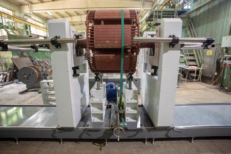 Балансировочный станок для роторов МБ-12000 РИФЖ 041863.005 вид сбоку
