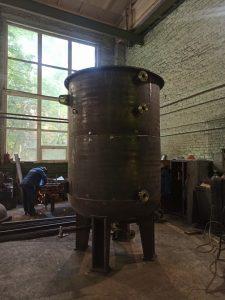 Вакуумная пропитка на заводе в процессе изготовления
